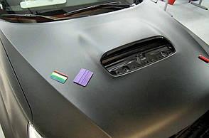Обклеювання автовинилом порогів (пара) металік/перламутр