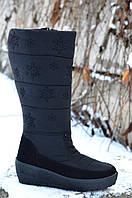 Сапожки дутики черные женские молодежные на платформе с черными снежинками.Со скидкой