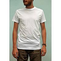 Белая мужская футболка из хлопка