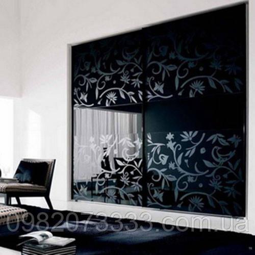 Тонировка стекла декоративной пленкой Черный глянец