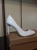 Туфли лодочка белые с круглым носиком