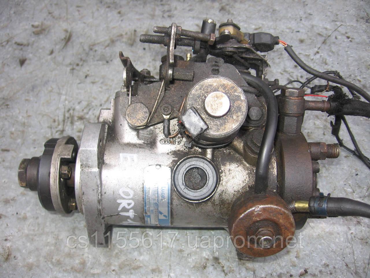 Топливный насос высокого давления (тнвд) Lucas 8444B630A б/у 1.8td на Ford: Escort 5, Focus, Mondeo 2