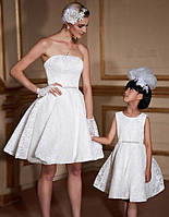 Эксклюзивный набор мама и дочка платья пышные плечи открыты без бретель