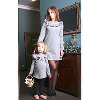 Изумительный набор мама и дочка платье или туника декорировано вверху рюшей