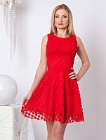 Женское коктейльное платье красного цвета из гипюра без рукава с юбкой-клеш. Модель 966 SL.