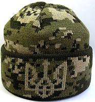 №13 - Вязаная шапка темный, светлый пиксель с подворотом и гербом Украины., фото 1