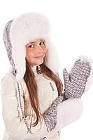Цветные меховые варежки  V 54321 Серый Белый принт коса