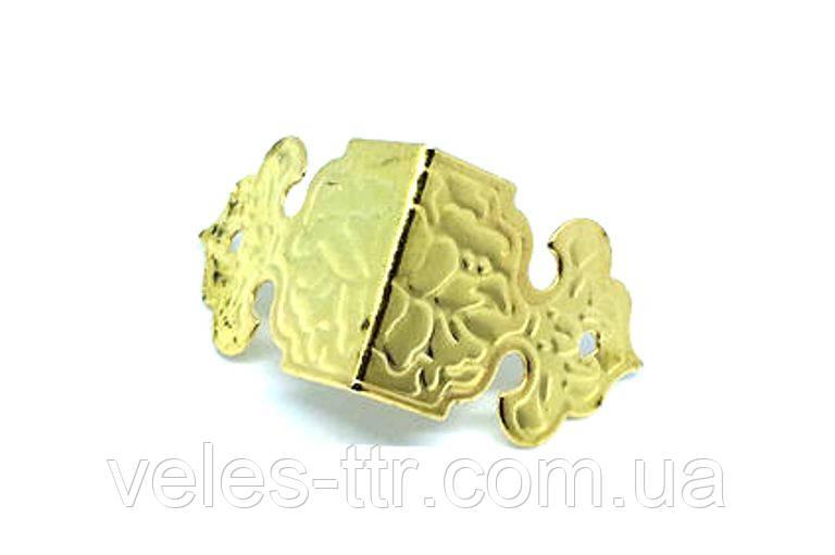 Уголок для шкатулок боковой золото 25х25х17 мм