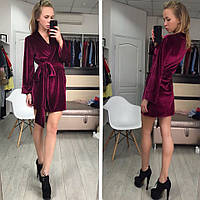 Женское платье халат  из бархата бордового цвета
