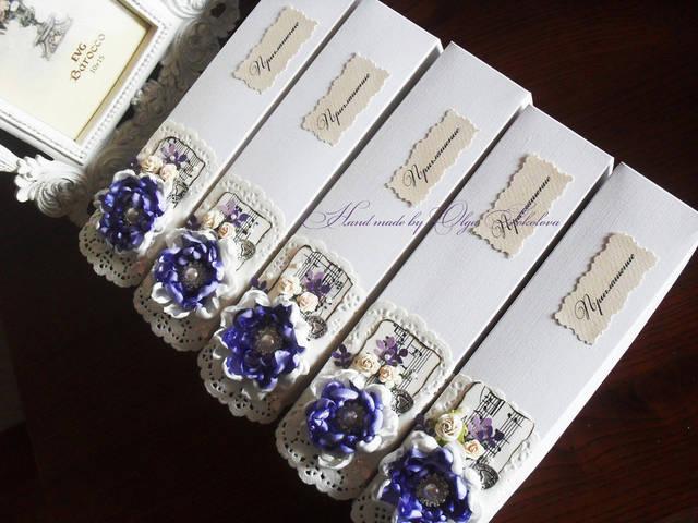 Поскольку тематика свадьбы кружева - элементы кружев использовались и в декоре самой коробочки.
