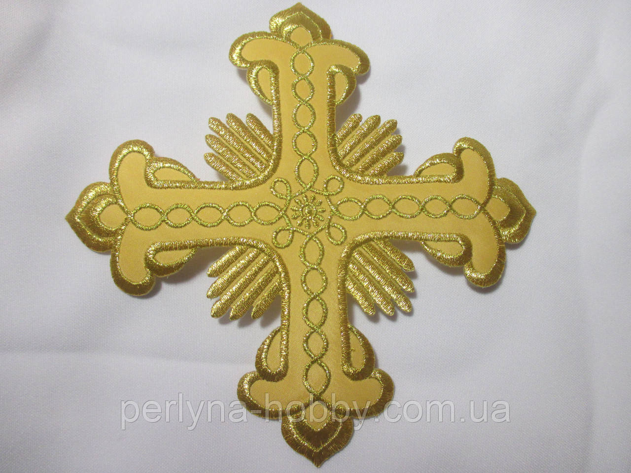 Хрест для церковного одягу середній (алікаця клейова) 14х14 золото