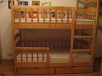 Компактная двухъярусная кровать для детей
