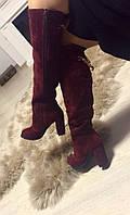 Теплые женские зимние ботфорты натуральный замш, декорированы золотой цепочкой (евро зима). Цвет марсала