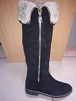 Зимние женские замшевые сапоги-ботфорты черного цвета