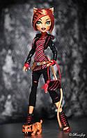 Кукла Монстер Хай Тореляй Страйп с питомцем Сладкий Клык Monster High Toralei Stripe Doll with Pet Sweet Fang