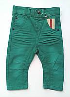 Яркие джинсы для мальчика name it