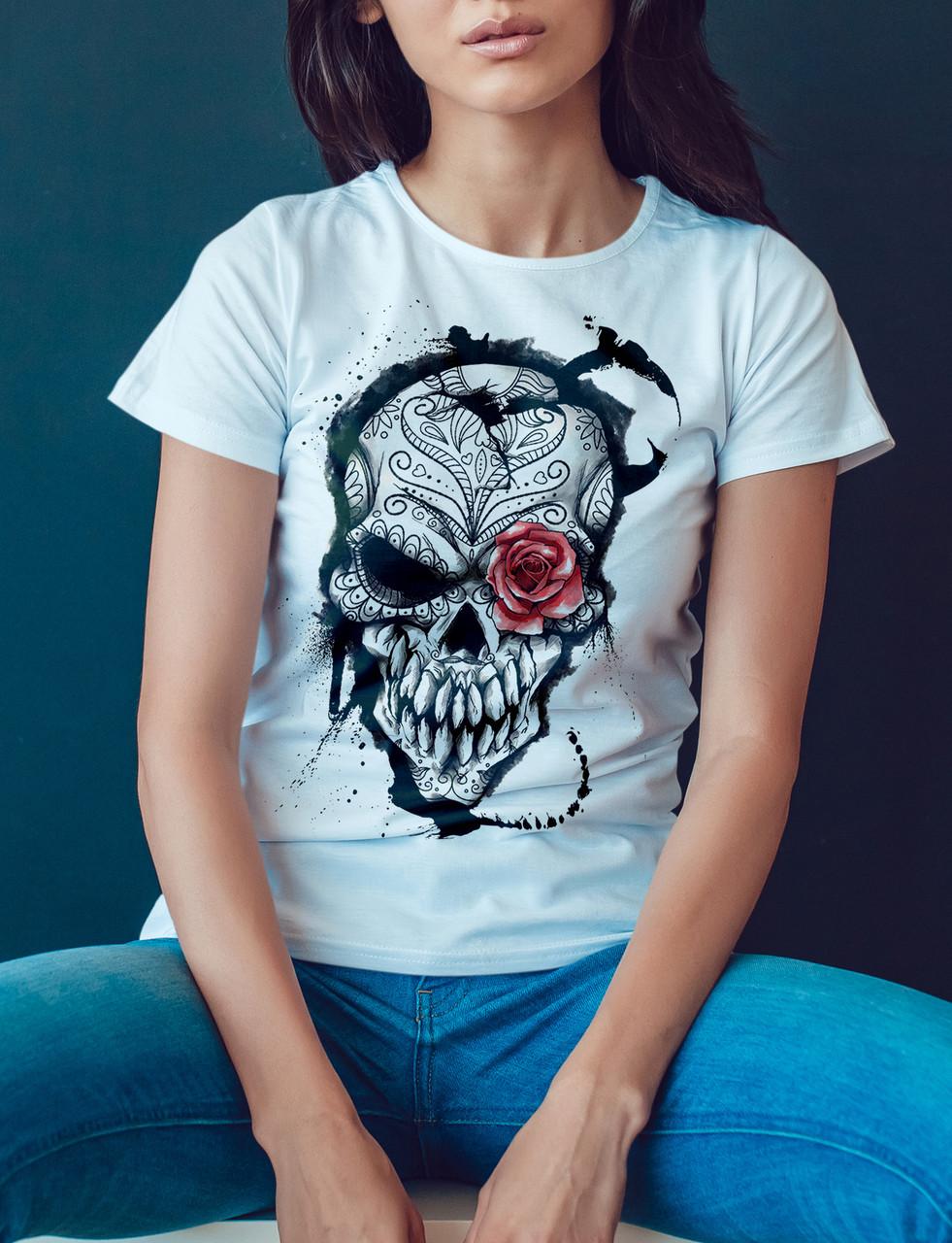 """Женская футболка """"Череп с розой"""""""