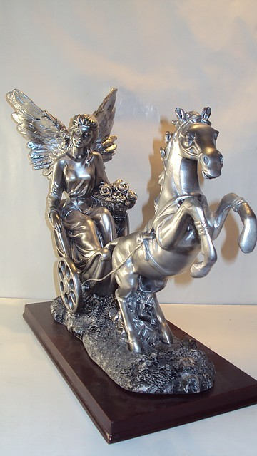 Статуэтка керамическая колесница размер 38*48*10