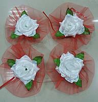 Цветы на ручки свадебного авто (белая роза+красный фатин) 4 шт.