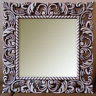 Зеркало в резной раме