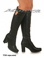 Женские черные высокие кожаные сапоги