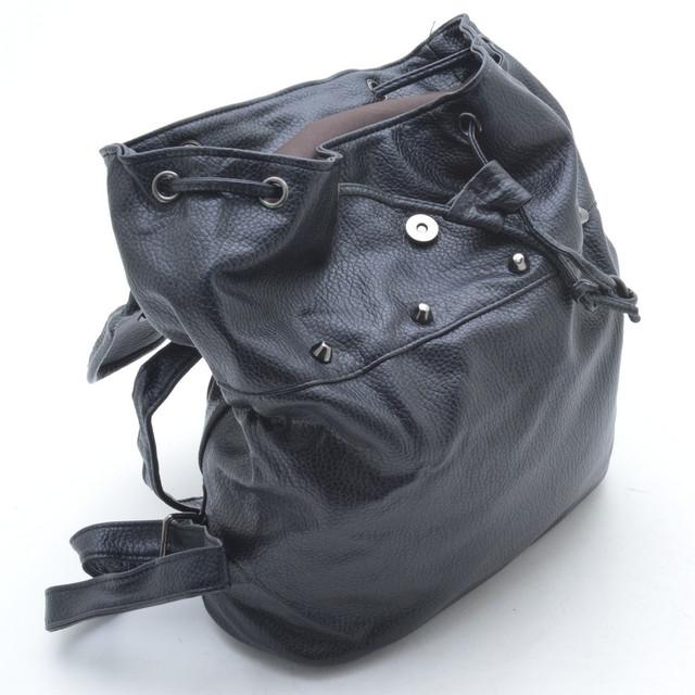 Модный рюкзак с шипами