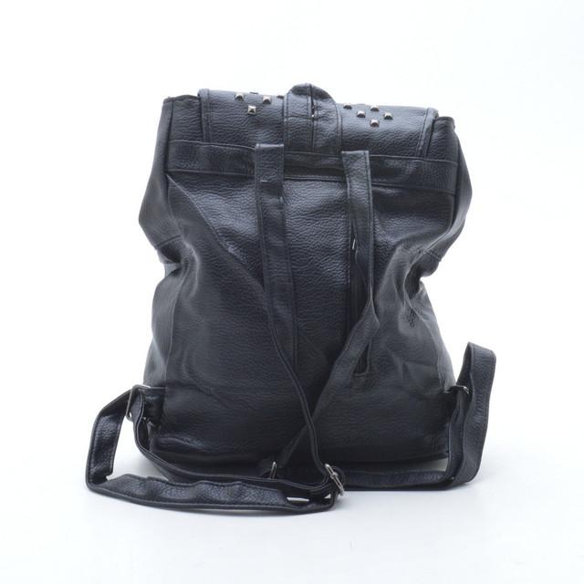 Модный рюкзак для девушки