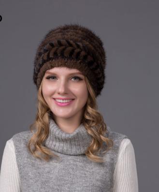 Женские норковые шапки