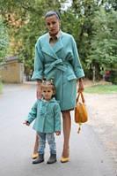 Набор пальто мама и дочка у дочки бантики у мамы пояс