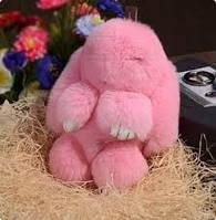 Меховой брелок на сумку в виде зайчика розовый
