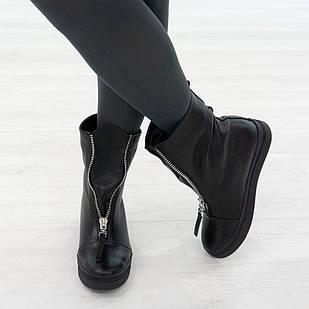 Трендовые кожаные ботинки женские на меху 36. 39. маломерные Woman's heel черные на низком ходу 39