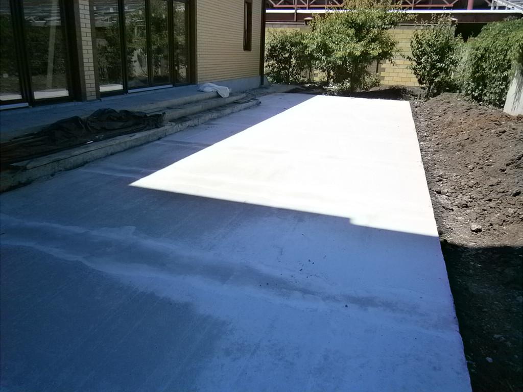 Приём бетона, несмотря на то, что носить было довольно далеко, проходил оперативно и слаженно, в короткие сроки.