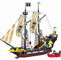 Конструктор Brick 307 Пиратский корабль, 590 деталей, 6 фигурок, шлюпка, флаг, оружие