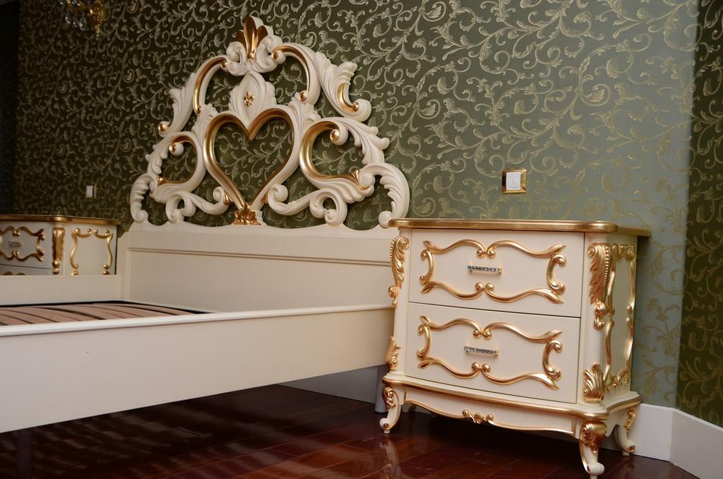 Код С008.Кровать резная. Спальня из массива с резьбой. Тумба прикроватная с резьбой. Комод с резьбой