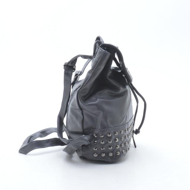 рюкзак для девушки с заклепками