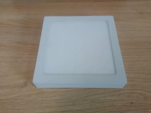 Светильник накладной LED  Downlight  18W  6400K  размер 225*225 мм  квадратный  алюминиевый корпус