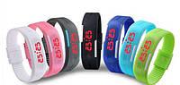 Спортивные часы с LED экраном A001 (цвета в ассортименте), водонепроницаемые многофункциональные часы