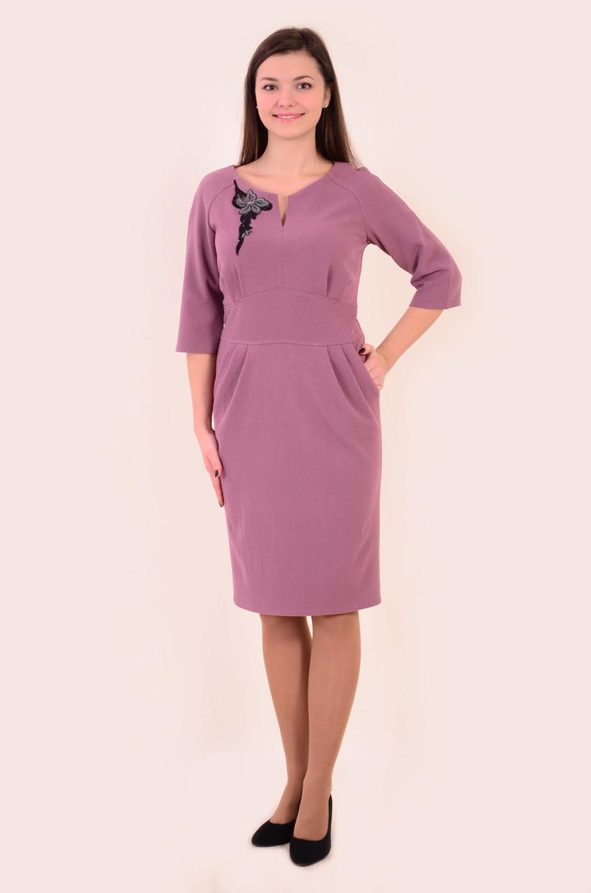 Платье розовое теплое букле , приталенное, пл 144, 44-50 , одежда для полной молодежи, по колено.