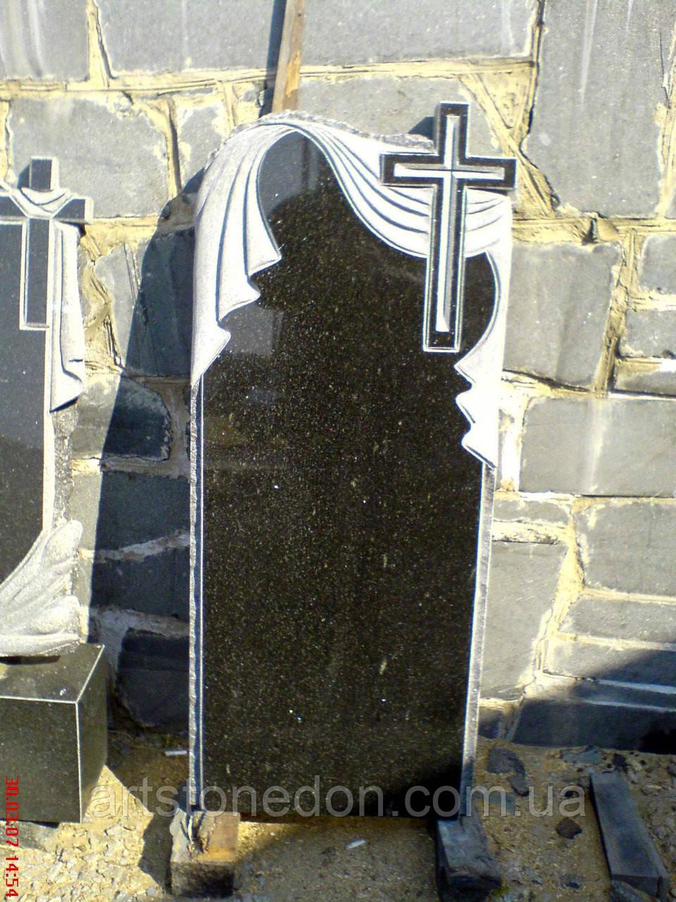 Памятник из гранита с крестом и полотенцем памятник из гранита Окружная