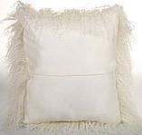 Декоративная белая подушка из меха натуральной перуанской ламы, фото 3