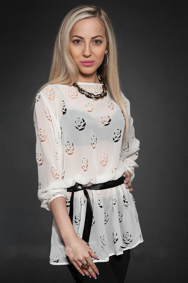 Красивая женская летняя шифоновая блузочка с перфорацией 44-48