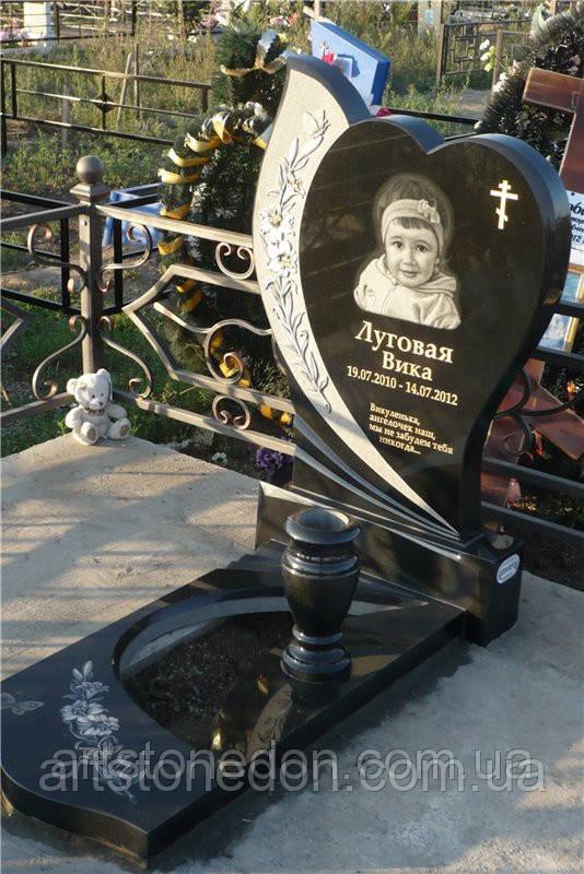 Памятник детский с лилиями