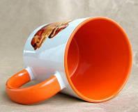 Печать фото на чашках оранжевых внутри и с оранжевой ручкой