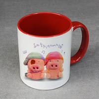 Печать фото на чашках красных внутри и с красной ручкой