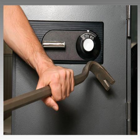 Не открывается сейф. Что делать?