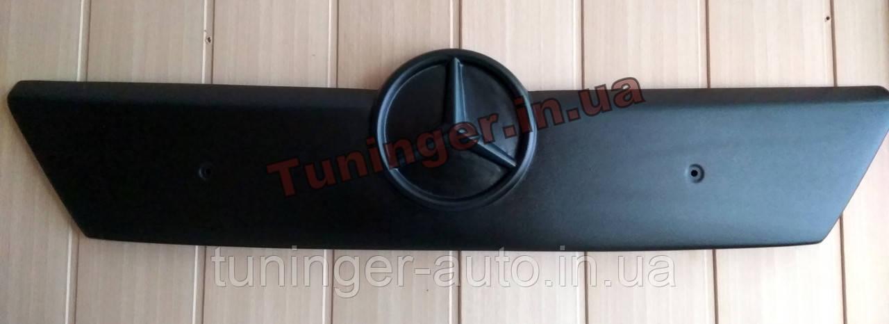 Зимняя накладка на решетку радиатора Mercedes-Benz Sprinter CDI 2000-2002гг. до рестайл