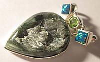 """Необычный серебряный кулон """"Крыло""""   с натуральным  серафинитом, хризолитом и опалами от студии LadyStyle.Biz"""