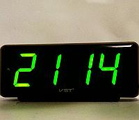 Часы электрические  VST-762 зеленые