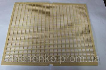 Решетка разделительная желтая Nicot 425х500 на 10-ти рамочный улей