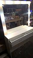 Рабочий стол парикмахера -визажиста